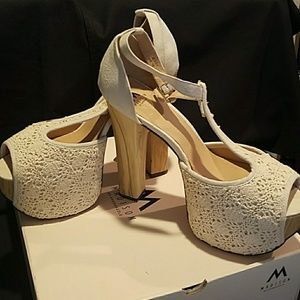 NWOT Shoedazzle Wood and Lace Heels, Sz 10